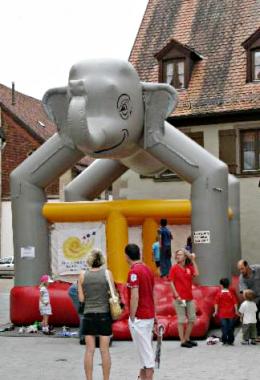 Teil des Rahmenprogramms für Kinder – Hüpfburg